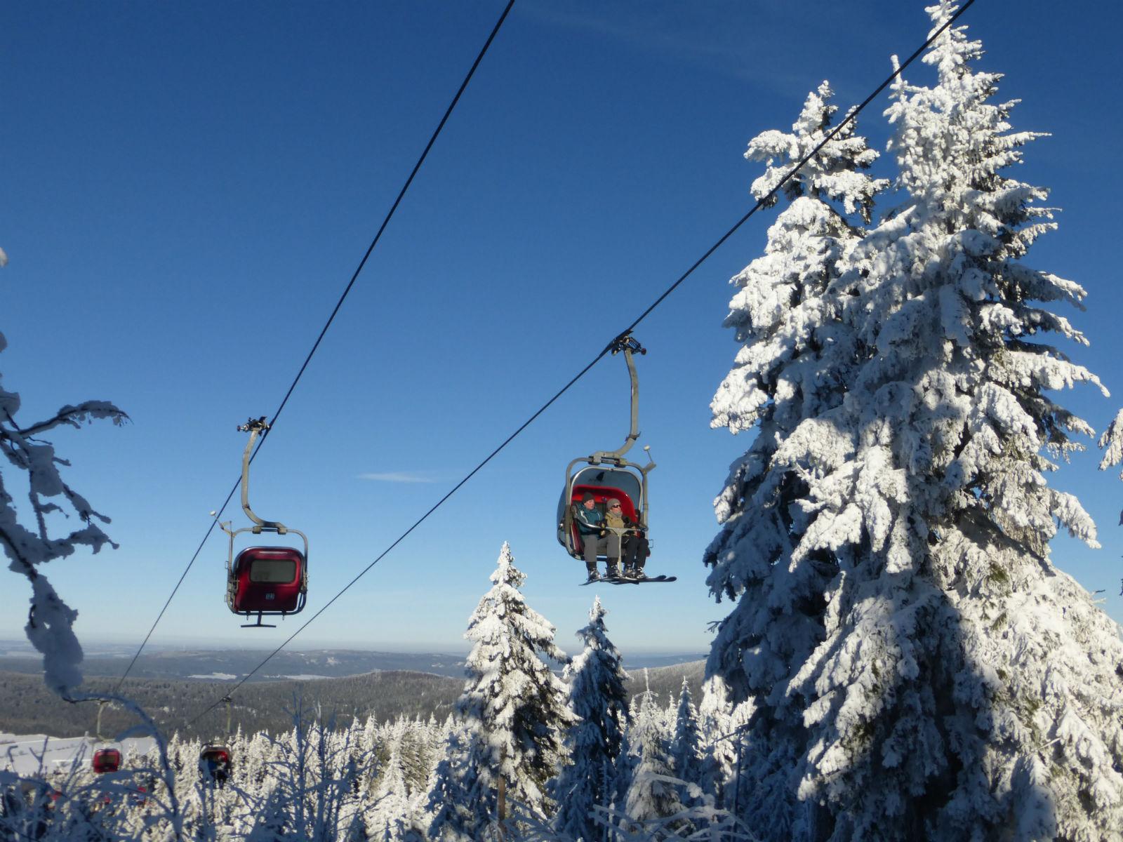 Fichtelgebirge-Winter-Skifahren-Seilbahn