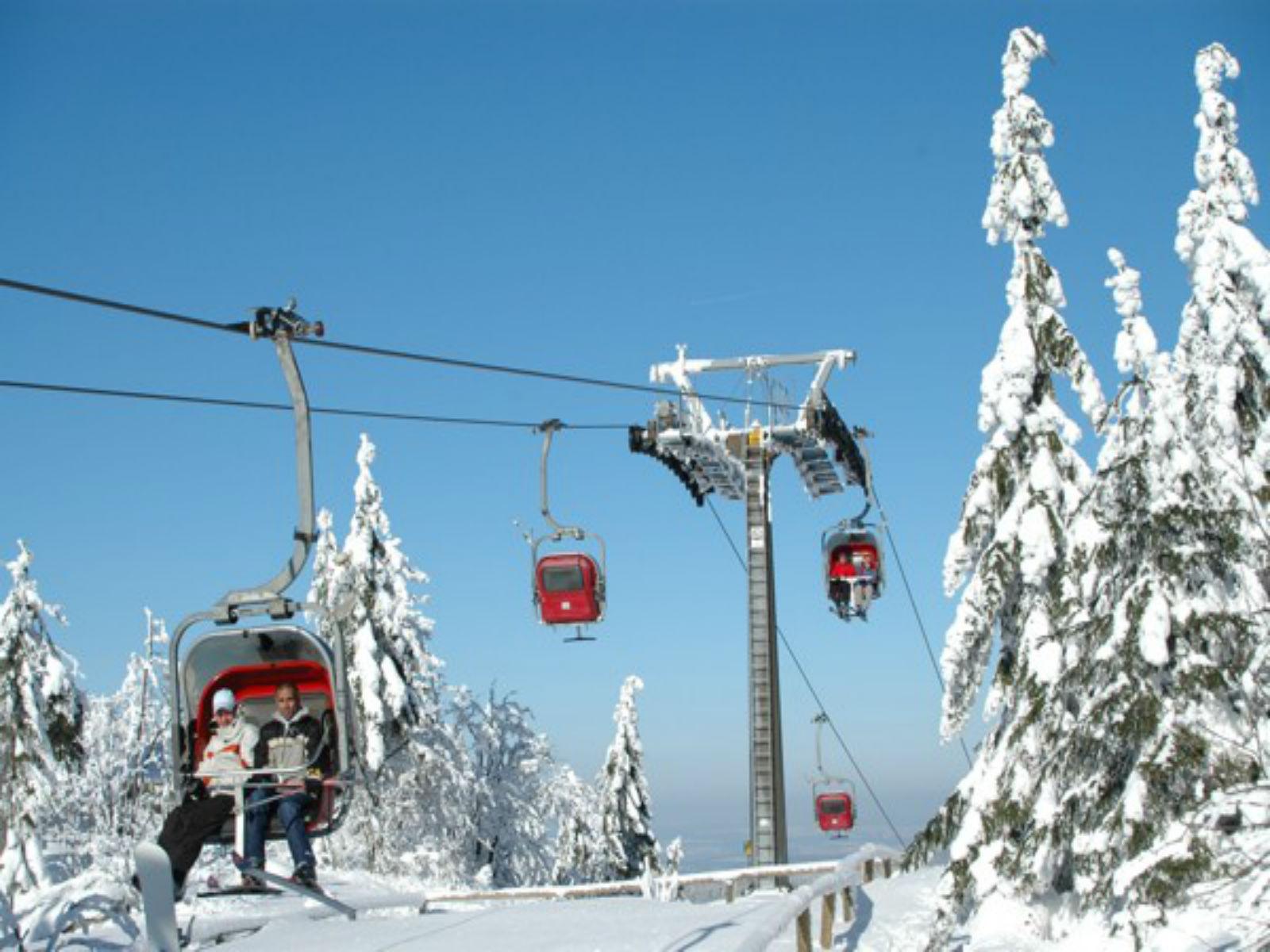 Fichtelgebirge-Winter-Wintersport-Sesselbahn
