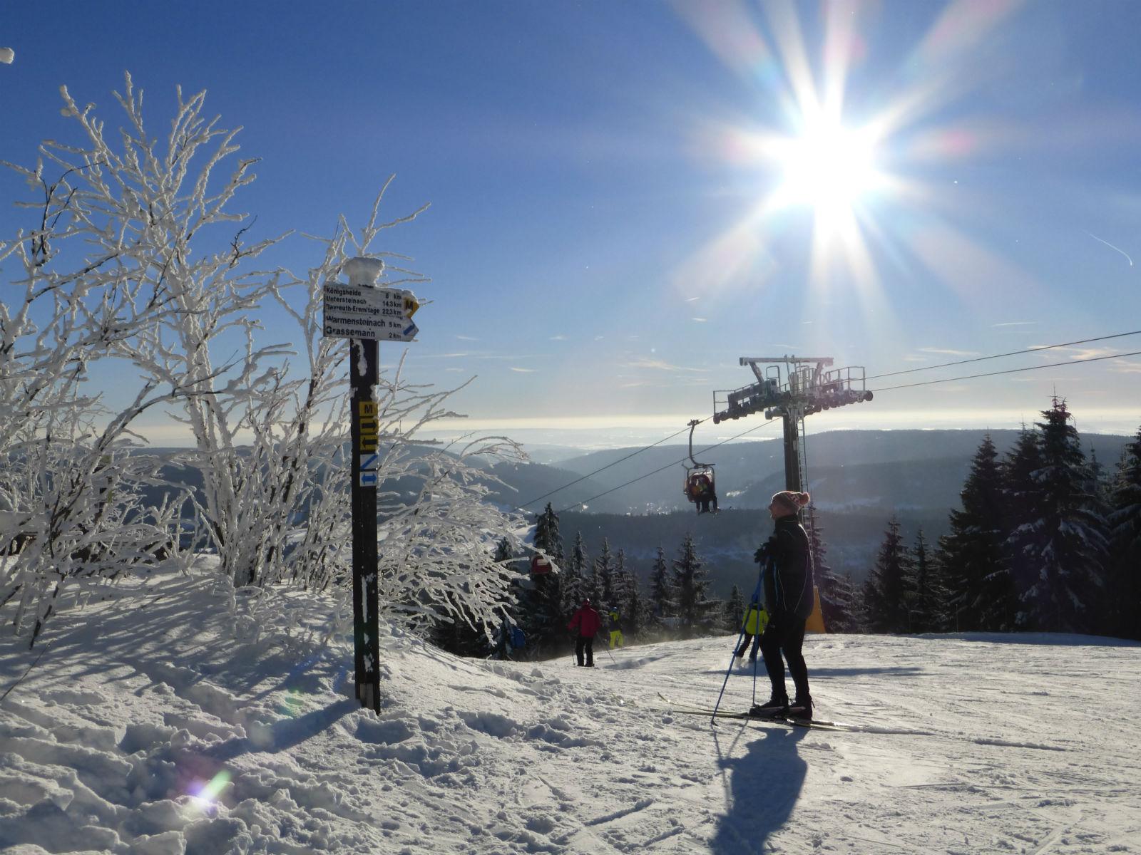 Fichtelgebirge-Winterlandschaft-Wintersport-Skifahren-Aussicht