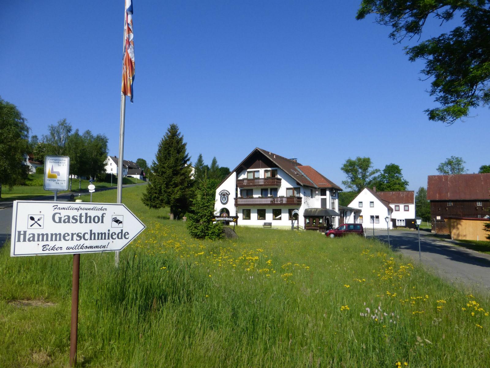 Hammerschmiede-Unser-Haus-Anfahrt