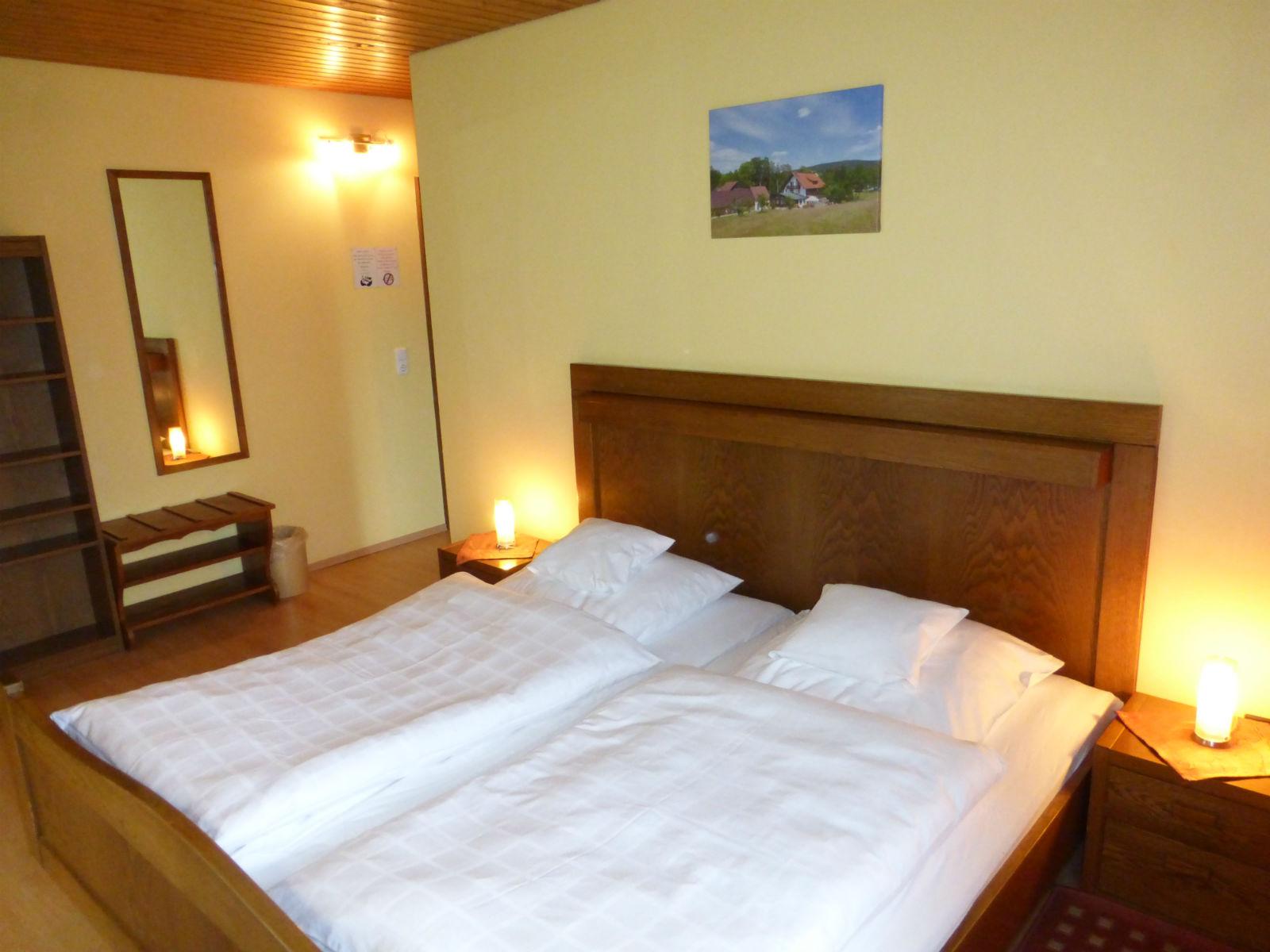 Hammerschmiede-Zimmer-Schlafzimmer-Bett